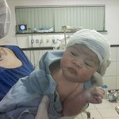 Essa é minha Jheniffer. Nasceu dia 17.07 ás 23:45 de 38 semanas de parto cesariana, com 50 cm e 3.480 kg . Foi uma gravidez complicada de risco e um parto complicado, mas Deus tomou a frente e tudo correu bem.